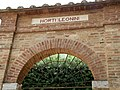 Horti leonini 02 gate.jpg
