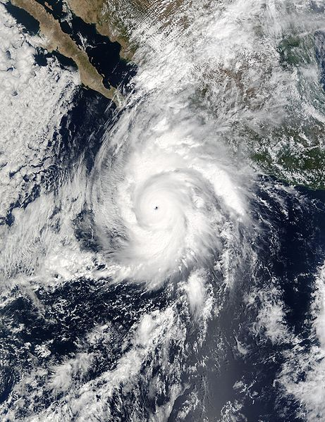 Archivo:Hurricane Kenna 24 oct 2002 1750Z.jpg