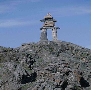 Inunnguaq (Inuksuk) als Wahrzeichen von Rankin Inlet