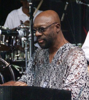 Isaac Hayes - Hayes performing in 2007