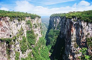 Aparados da Serra National Park - Image: Itaimbézinho Canyon 2006