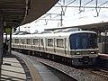 JRWest221-NC602 at JR-Ogura.jpg