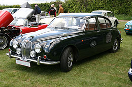 Jaguar 240 Mark II (1968) front left.jpg