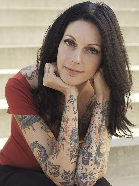 Datei:Jane with Tattoos.jpg