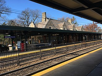 Jenkintown–Wyncote station - Image: Jenkintown Wyncote PA SEPTA station from outbound platform November 2017