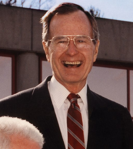 Joe Coors Jr., President George Bush Sr, Alvin Trivelpiece, Lamar Alexander, and Jimmy Quillen Oak Ridge (6960488198) (cropped)