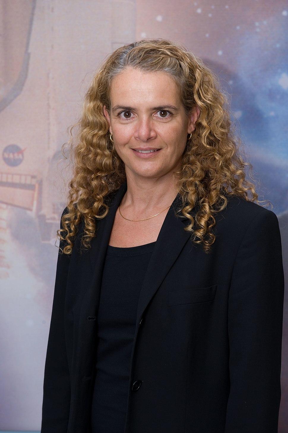 Julie Payette - JSC2009e123567