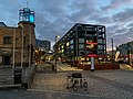 Köln Rheinauhafen Reclay House mit Vapiano und Sport- und Olympiamuseum sowie Kranhäuser.jpg