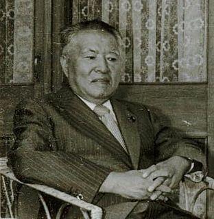 Kenji Miyamoto (politician)