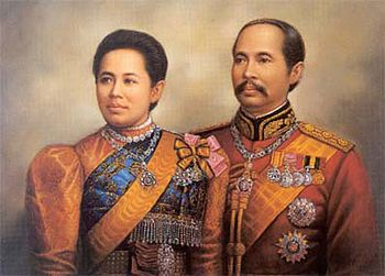King Chulalongkorn and Queen Saovabha Bongsri.jpg