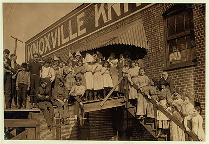 Child labor at Knoxville Knitting Works, photographed by Lewis Wickes Hine in 1910 Knoxville-knitting-works-1910.jpg