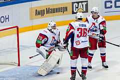 Description de l'image Kolesnik, Flood and Apalkov 2012-09-08 Amur—Lokomotiv KHL-game.jpeg.