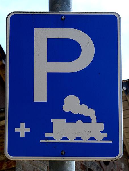 """D'Schëld vum """"Park and Rail"""" op der Gare Kolmer-Bierg."""