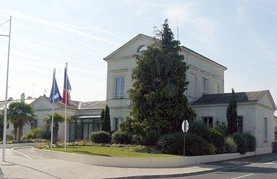 La-ville-aux-dames-mairie.jpg