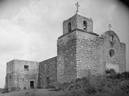 Presidio La Bahia, also known as Fort Defiance, in Goliad La Bahia Presidio Chapel, South on U.S. Route 183, Goliad (Goliad County, Texas).jpg