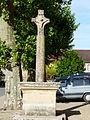 La Chapelle-Aubareil croix 1853 à côté église.JPG