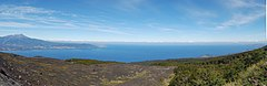 ทะเลสาบลังกีเว - Lake from Volcán Osorno with Calbuco visible on the left.