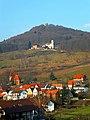 Leinsweiler, Slevogthof in Leinsweiler, Felsenreste Burg Neukastel 02.jpg