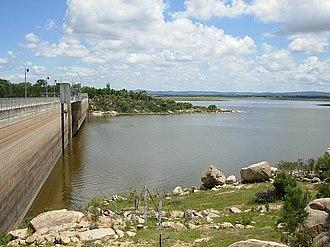 Leslie Dam - Image: Leslie Dam (Queensland) (2104482638)