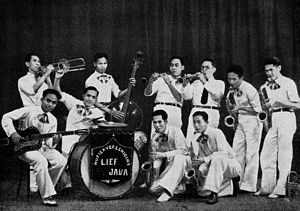 Ismail Marzuki - Ismail Marzuki (bottom right, playing saxophone) with The Jazz Division of Lief Java Orchestra, 1936.