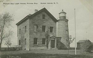 Light house, Prince's Bay, Staten Island.jpg