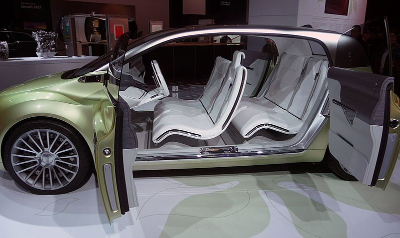 File:Lincoln-concept-Suicide-Doors.jpg - Wikimedia Commons