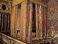 Lit de Louis XIV.jpg