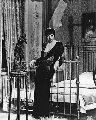 Sally Bowles - Image: Liza Minnelli Cabaret 1972