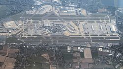London Heathrow (8008840529).jpg