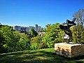 Luxembourg, vue Pont Adolphe et Arbre de la paix (04-2020).jpg