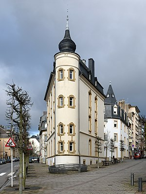 Luxembourg City Streckeisen - Flat Iron Building from SSW.jpg