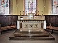 Maître-autel et stalles de l'église.jpg