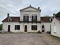 Mairie de Lucy-sur-Yonne (France).jpg