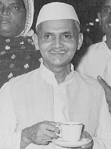 Mani Ram Bagri with Shastri (cropped).jpg