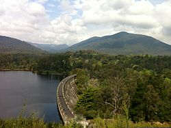 Maroondah Dam at capacity, October 2011.jpg