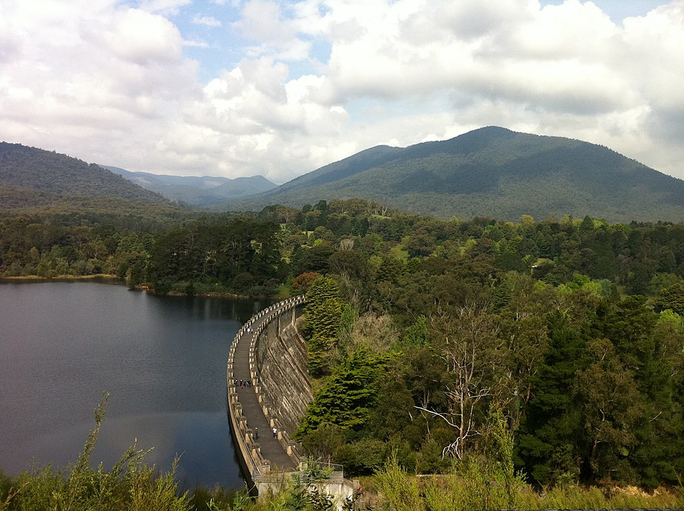 Maroondah Dam at capacity, October 2011