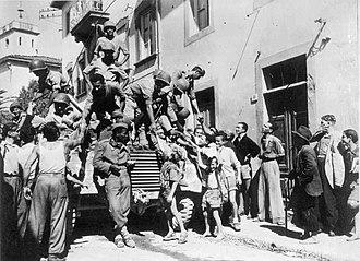 Brazilian Expeditionary Force - Brazilian soldiers greet Italian civilians in the city of Massarosa, September 1944.