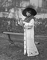 Mata Hari at the race-track (1911).jpg