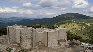 Novo Brdo Fortress - Image: Medieval Novo Brdo Fortress after reconstruction