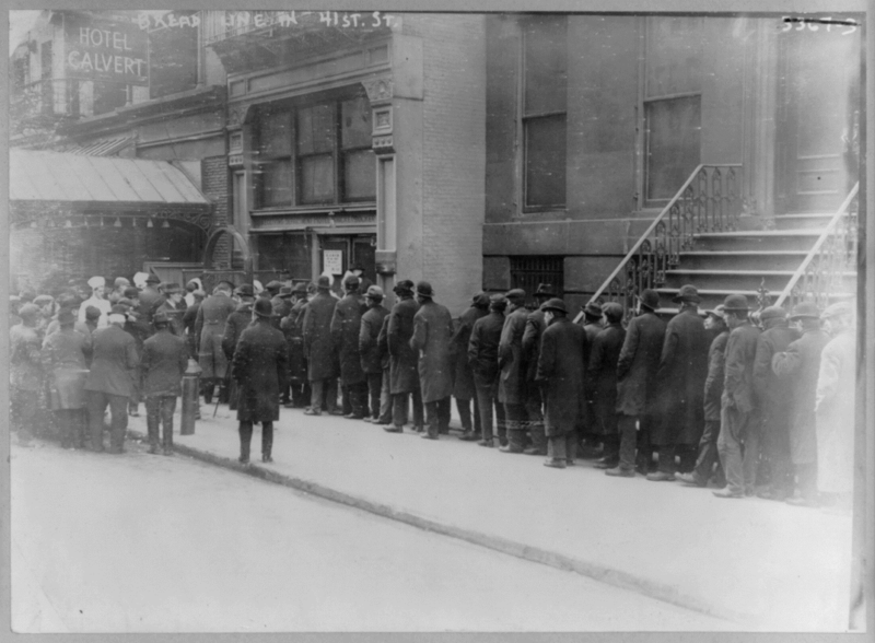 File:Men in bread line on 41st St., New York City 1915.png