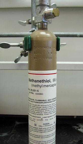 Methanethiol - Cylinder of methanethiol gas
