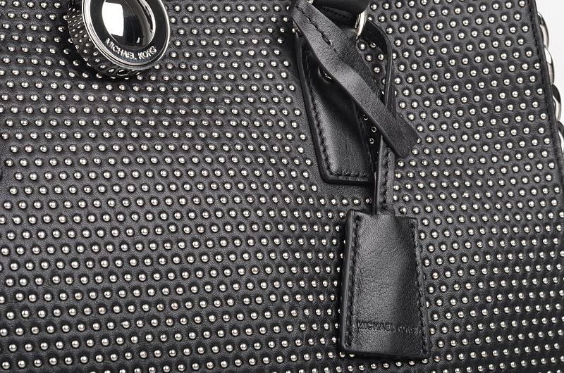 File:Michael Kors Microstud Hamilton LG NS Tote Tasche mit