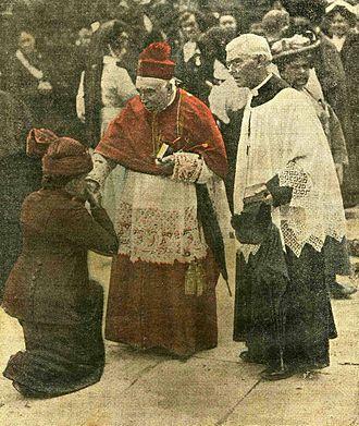 Michael Logue - Cardinal Logue in Lourdes