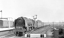 Midday Scot passing Warrington Bank Quay, 1954 (geograph 4261633).jpg