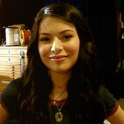 Miranda Cosgrove during Twist photoshoot (2009).jpg