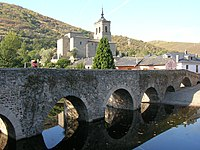 Molinaseca Bridge 2005.jpg