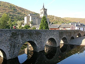 Molinaseca Bridge 2005.jpg