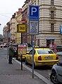 Náměstí Kinských, taxistanoviště (01).jpg