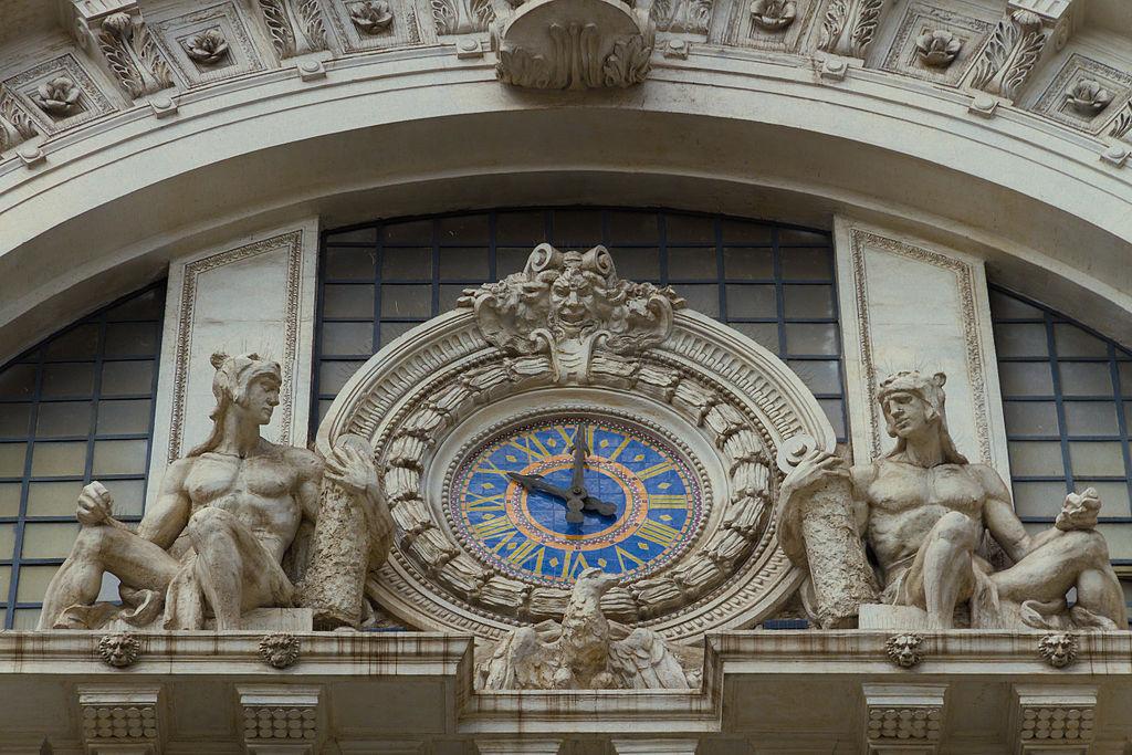 Horloge de la gare ferroviaire de Mergellina à Naples - Photo de Matthias Süßen