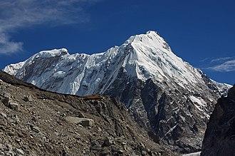 Kirat Chuli - Kirat Chuli (left) and Nepal Peak (right)